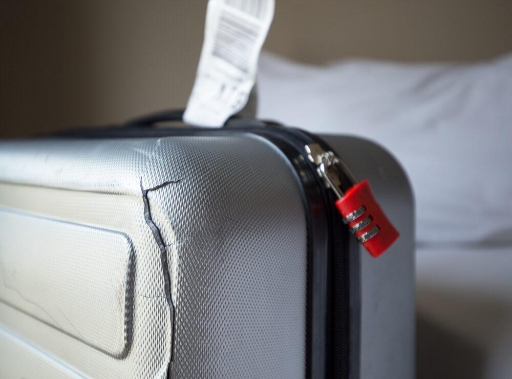 Bagaglio danneggiato: come ottenere il rimborso per la valigia rotta