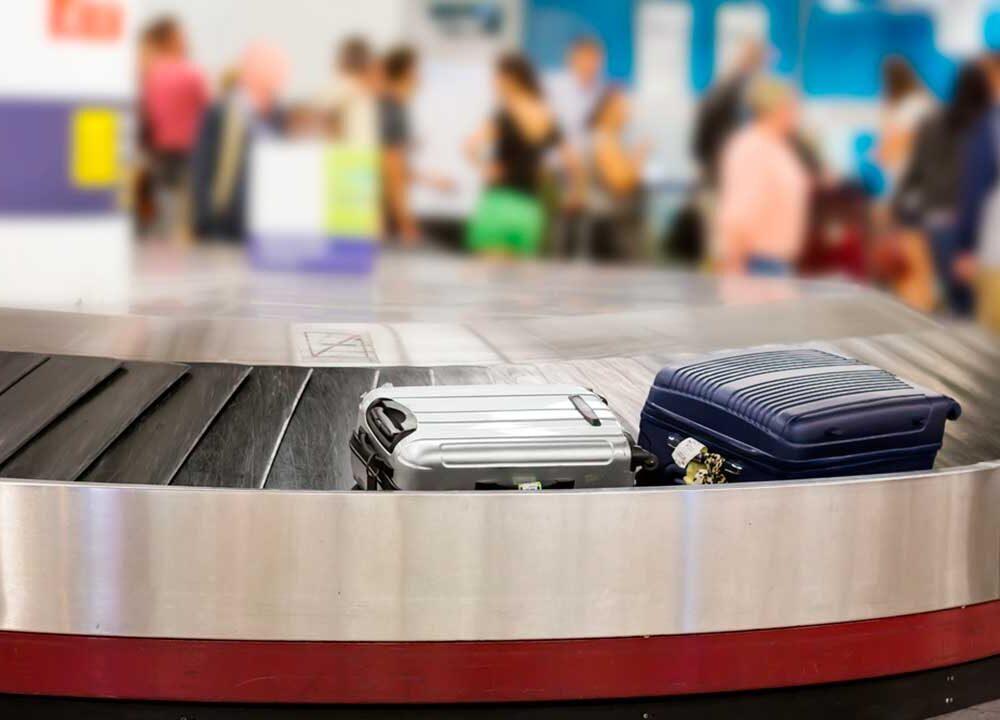 Smarrimento bagaglio aereo: come evitarlo o ridurre il danno.